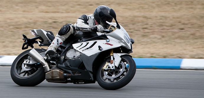 BMW_S1000RR_track_right_side