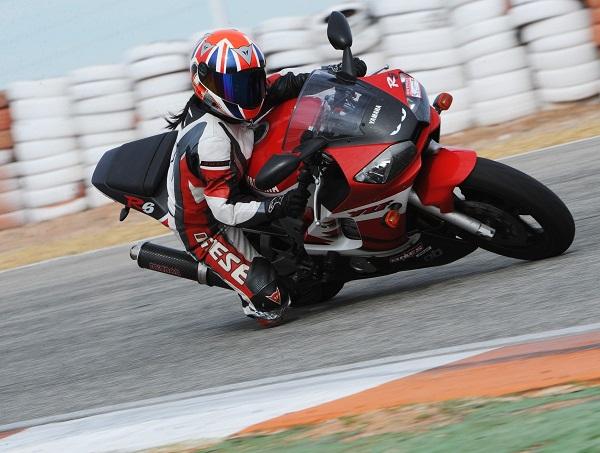 motorbike_knee_down_397845.jpg_d